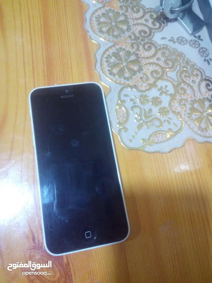 ايفون 5c ابيض ذاكره 32 جهاز كلش حلو
