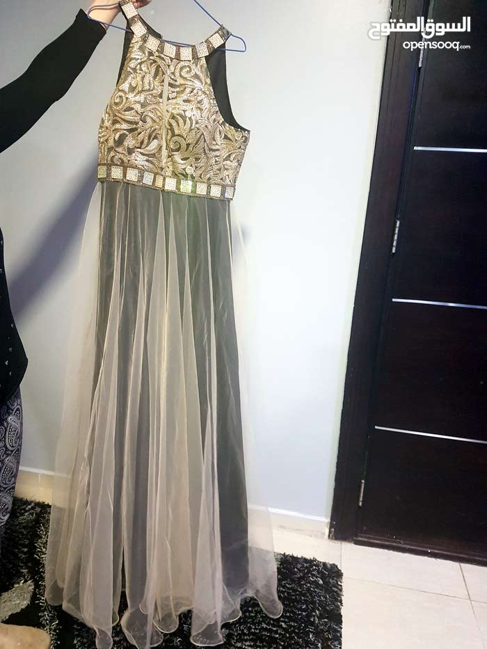 فستان للايجار