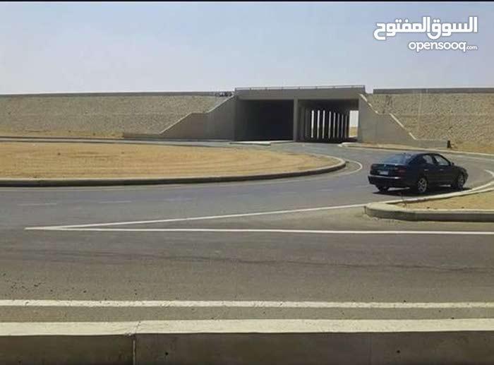 قطعة ارض 200 متر للبيع بمدينة القادسية ( العبور الجديدة)
