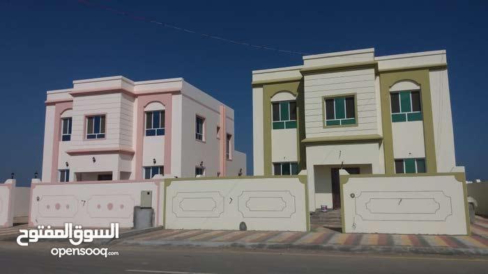 اربع فلل للبيع ع شوارع قار كورنر حي عاصم مع صيانه مجانية لمدة ستة اشهر