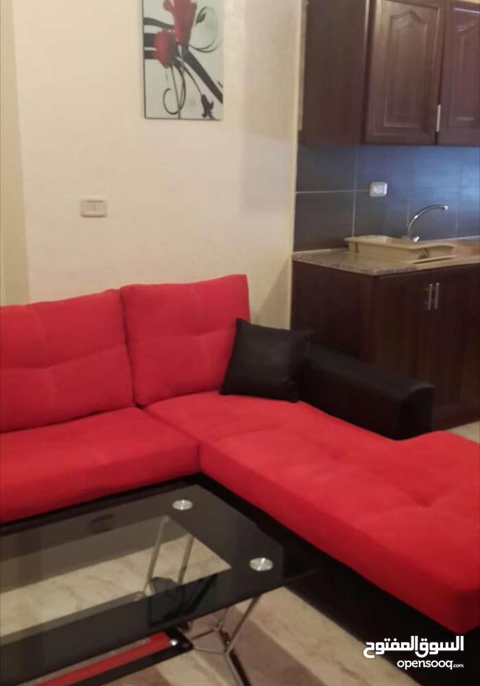 شقة مفروشة للبيع اوللايجار بالجبيهة مقابل مدينة الملاهي دخلة وقهوة الاسمر