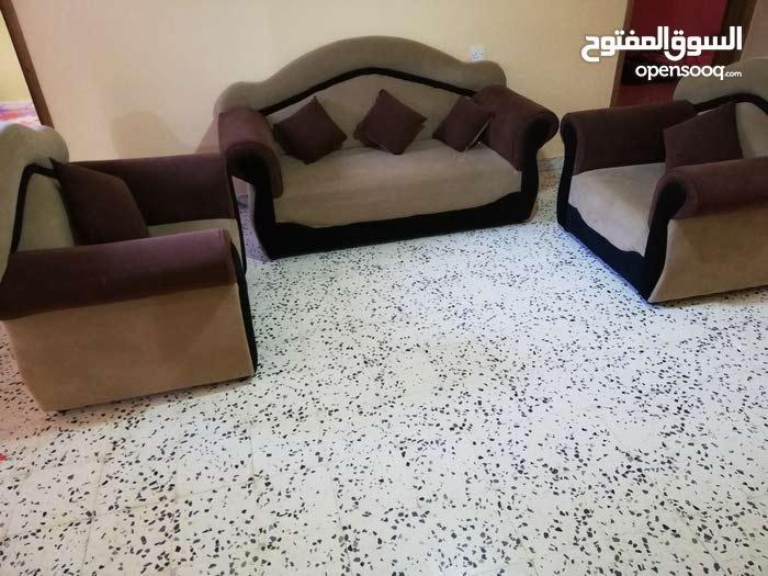 أثاث مستعمل للبيع.. صالون منزلي بحالة جيدة.. فرش غرفة مقاس 4 /4...جلسة 4/4