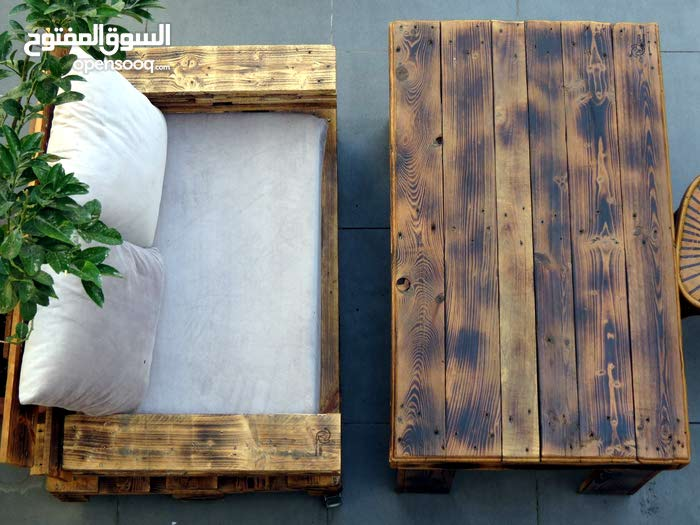 Cozy 2 Person Pallet Seating -  customizable - indoor & outdoor use!