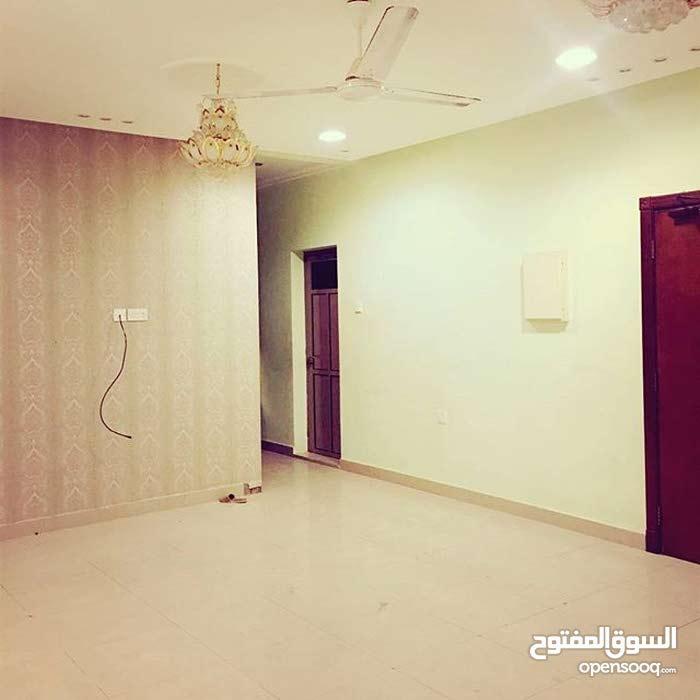 للايجار شقة من 3 غرف في مدينة حمد دوار 8