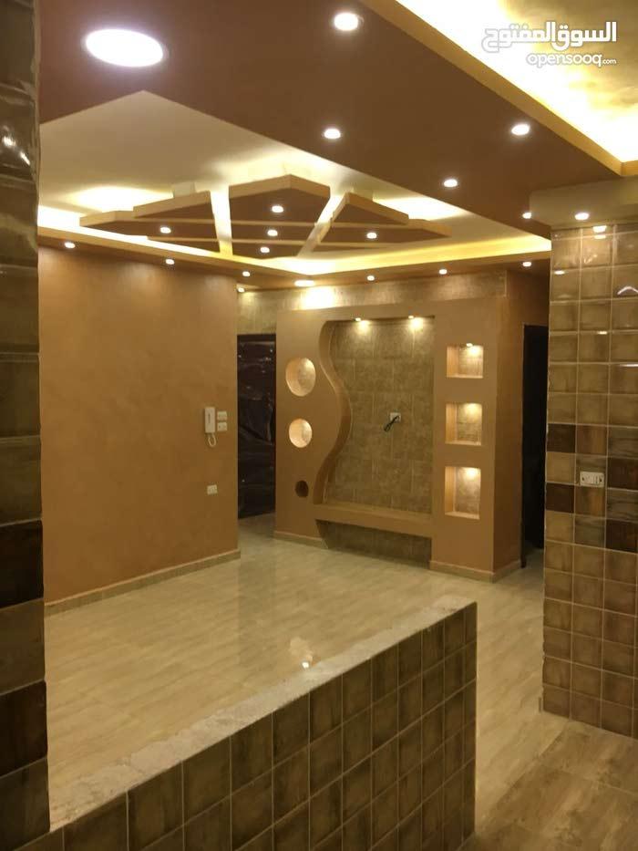 5 rooms 2 bathrooms apartment for sale in ZarqaAl Zarqa Al Jadeedeh