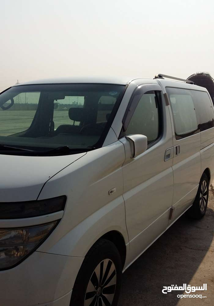 Available for sale! 10,000 - 19,999 km mileage Nissan Elgrand 2013