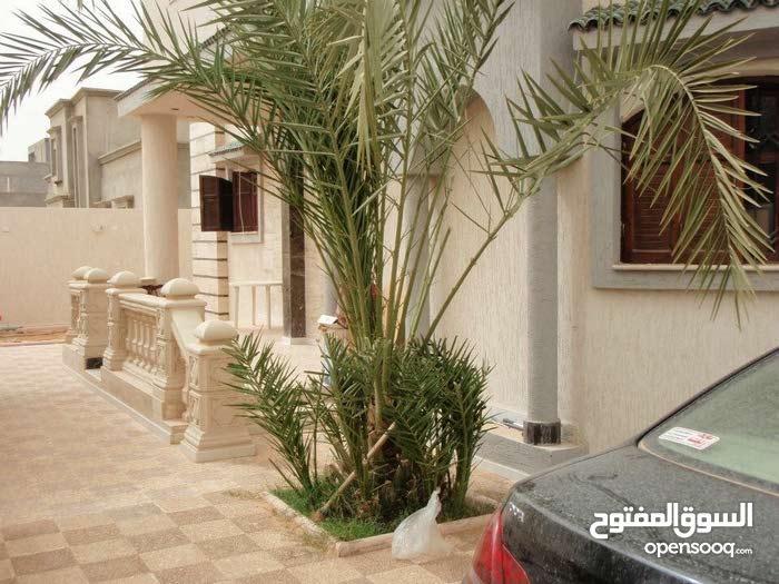 450 sqm  Villa for sale in Tripoli