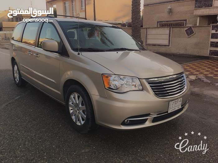 Chrysler Town & Country car for sale 2014 in Baghdad city