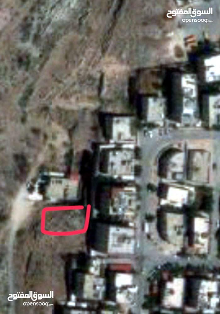 ارض سكنيه في ماركا الشمالي/ حي الونانات/ خلف مدرسه طارق بن زياد