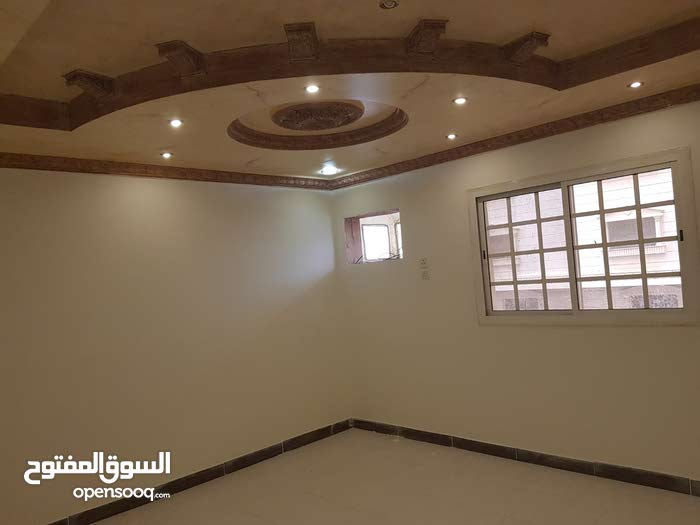 Ash Shawqiyyah apartment for rent with 4 rooms