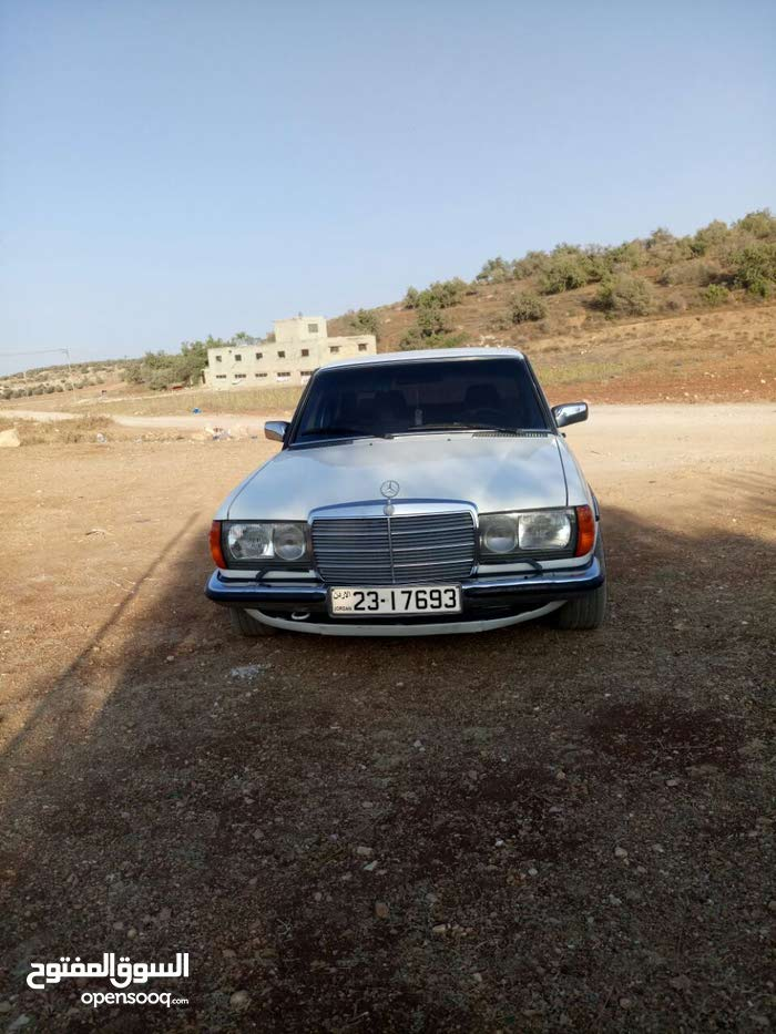 Mercedes Benz E 280 made in 1984 for sale
