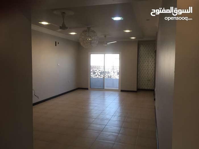 البيع شقة في سند قريبة من جميع الخدمات