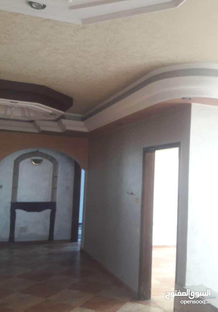 شقة 210 متر بغزة على الشارع الرئسى