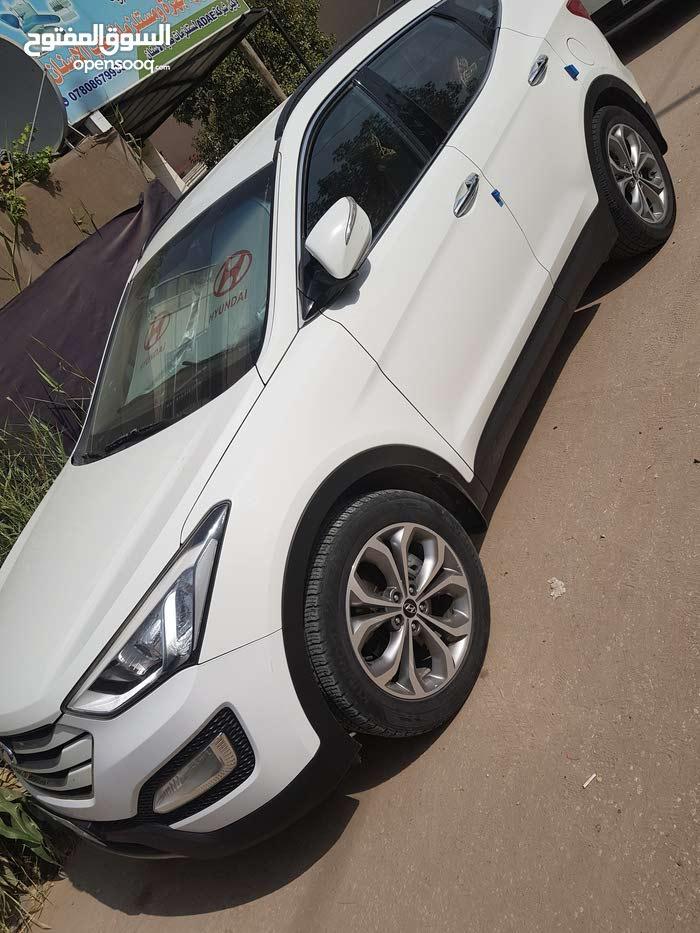 40,000 - 49,999 km Hyundai Santa Fe 2014 for sale