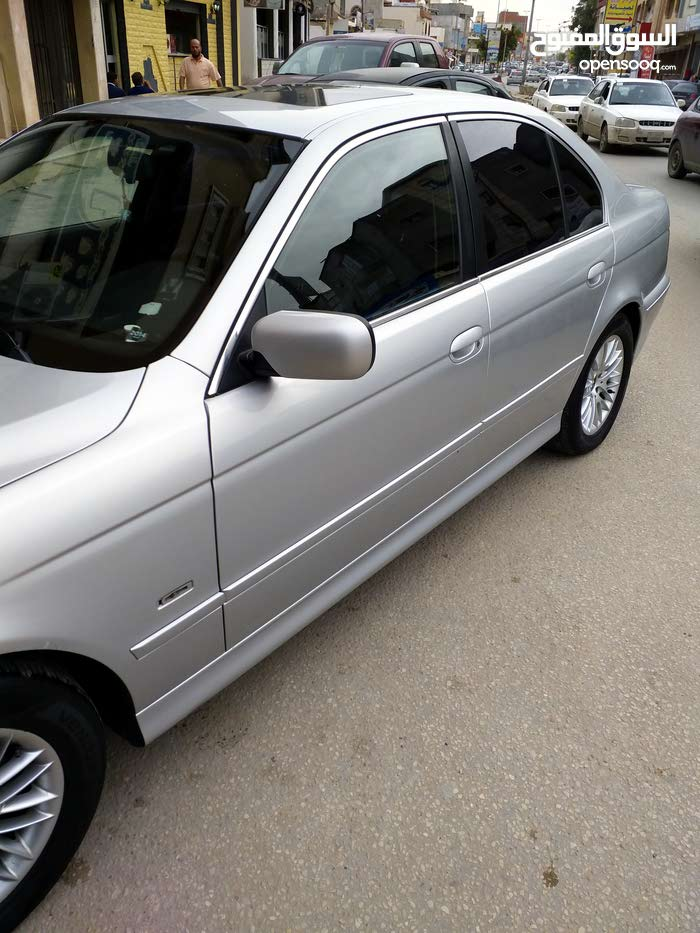 For sale 2002 Silver 525