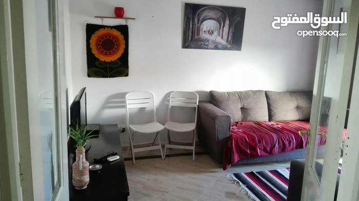 شقة بيت و صالة للإجار في حي الواحات قرب مصحة حنبعل و مصحة سكرة