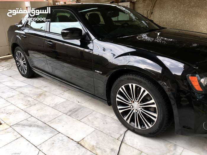Automatic Black Chrysler 2013 for sale