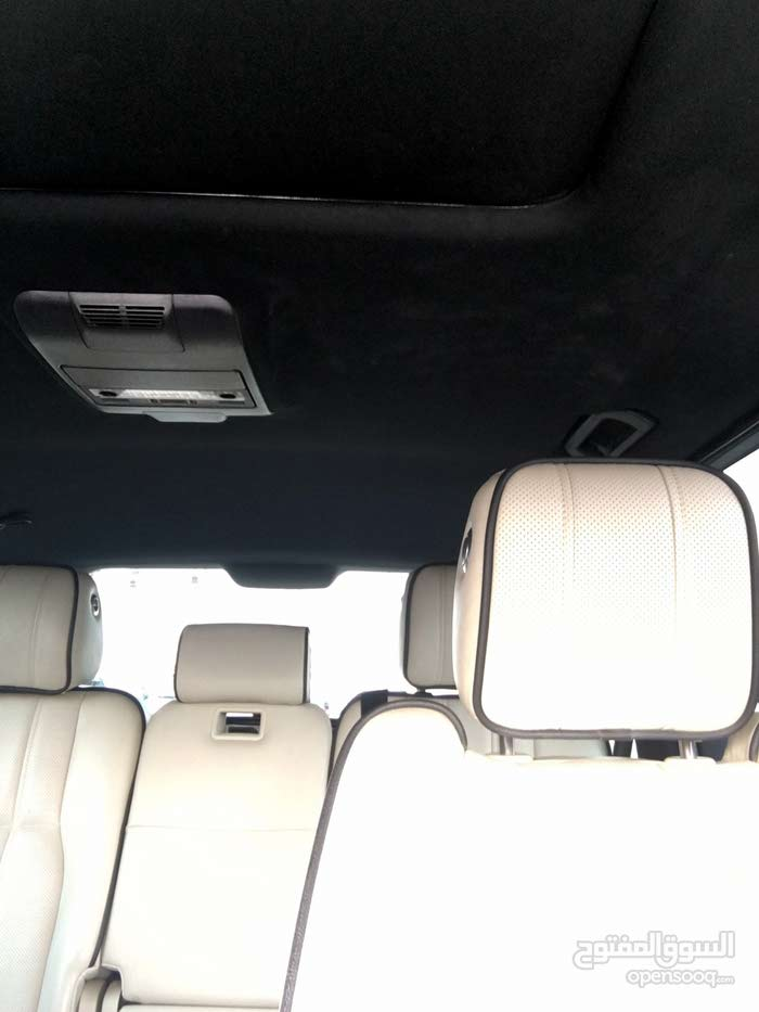 Used Land Rover Range Rover Vogue for sale in Sharjah