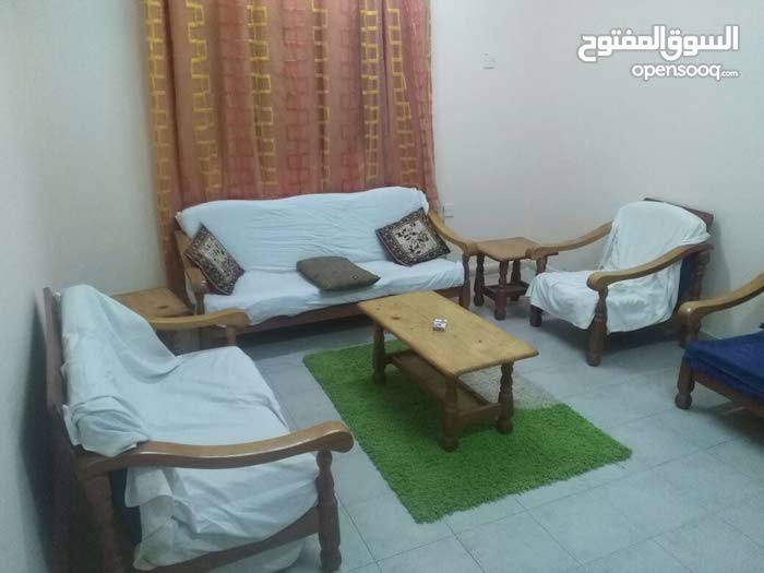 Al Mahdood Al Wasat apartment for rent with 2 rooms