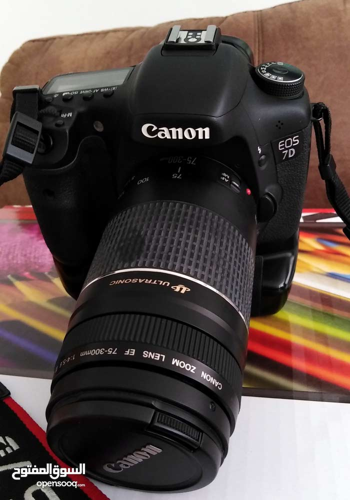 Canon 7d with grip & lens 75-300