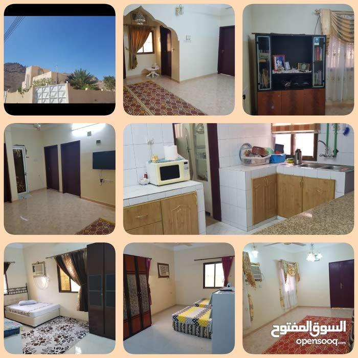 منزل للبيع بحي التراث الأولى قرب جامع عرفة