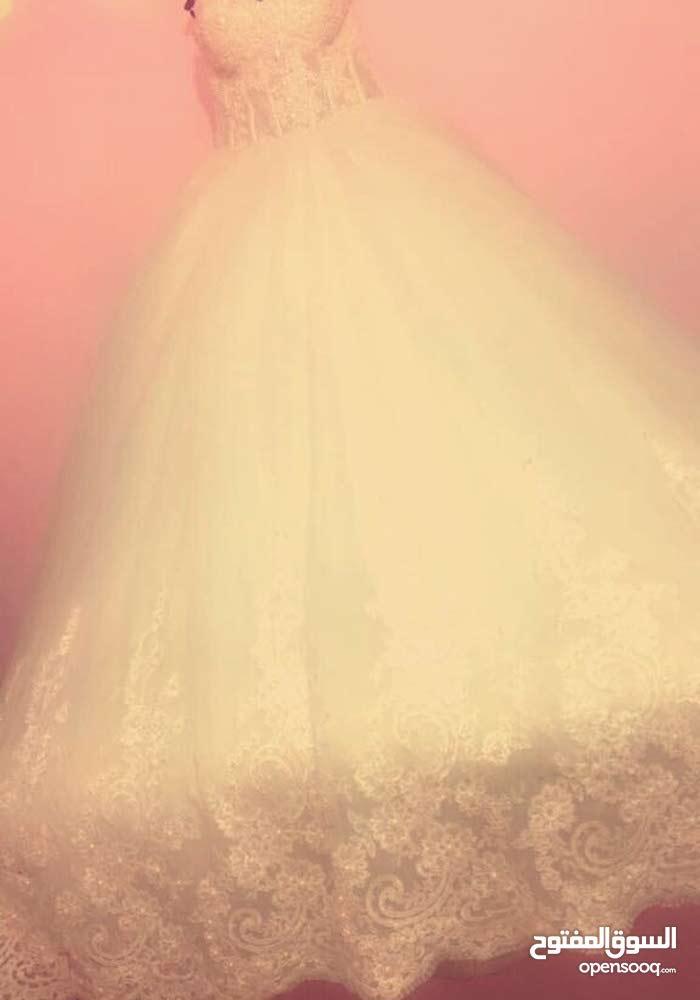 بدلة عروس ملبوسة مرة واحدة