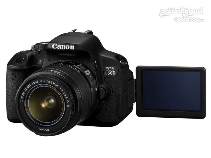 Canon 650D tachscreen  camra weth 18-55mm lens  charger . bag.