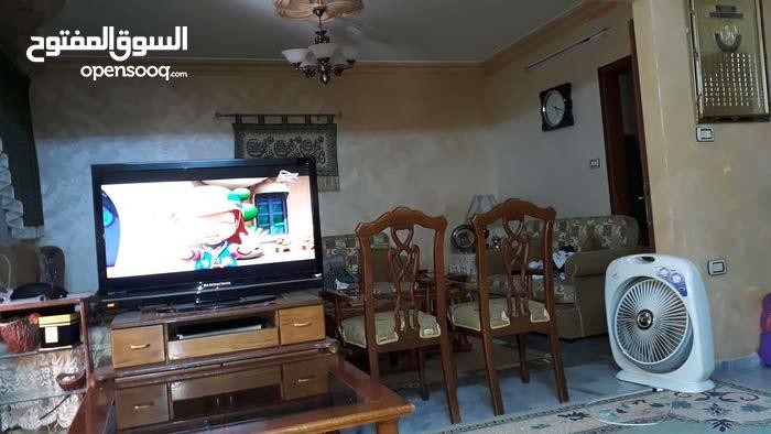 شقة للبيع  اربد غرب شمال دوار القبة قرب ديوان  ابو عبيد